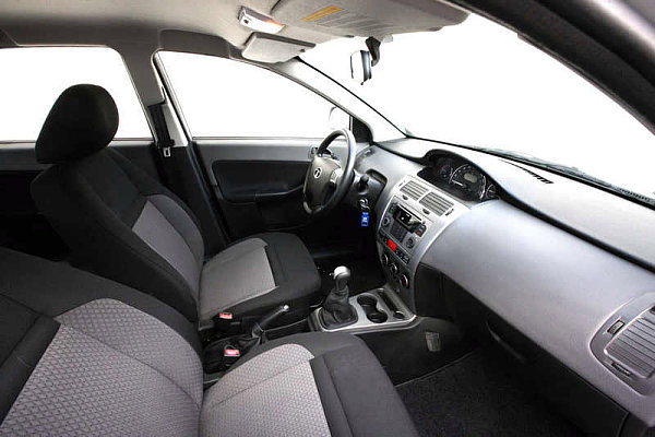 Interior Tata Vista 2013