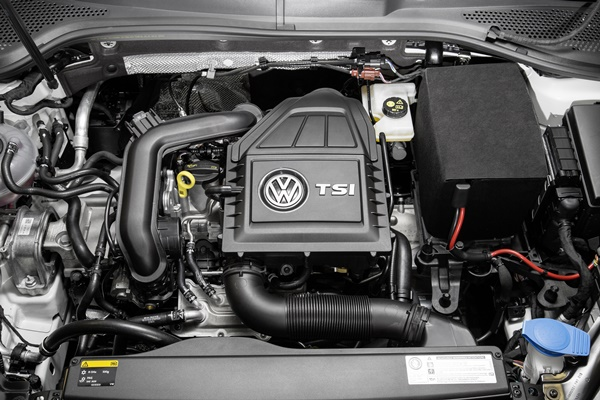 vw Golf TSI Bluemotion-2015-1006-3